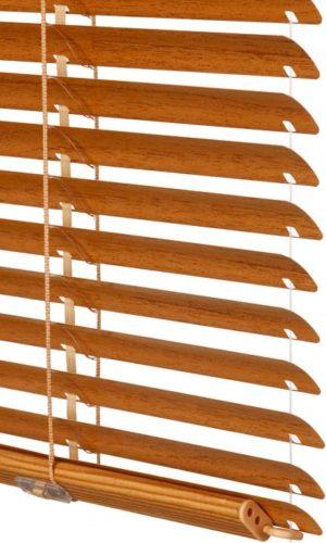 ISOTRA HIT II Нижний карниз и лесенка в цвет полотна.